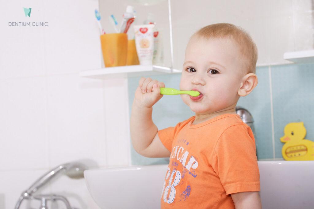 leczenie-zebow-u-dzieci-dentium-clinic-krakow